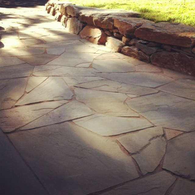 irregular dry lay flagstone